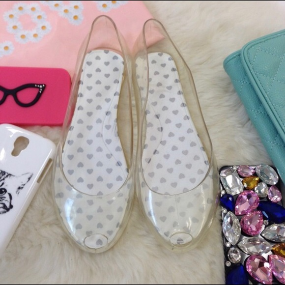 ede26ea784e4 Super adorable CLEAR ballet flats (jelly sandals).  M 5a6b395885e6052eb87b667c